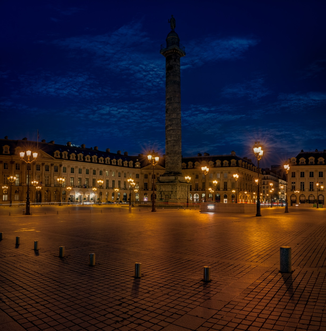 Lifting for Place Vendome