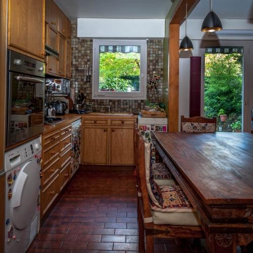 Accomodation to frédéric leloup home, the kitchen
