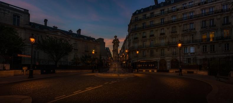 A gentleman Place Saint Georges !